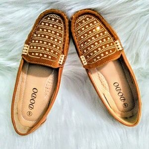 (NEW)! Flat Camel Gold Studded Loafers!